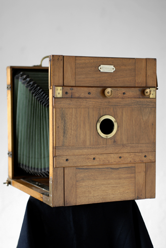 Conservation and restoration projects of early photographic equipments - Wetplatewagon