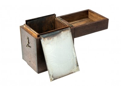 Blanxart laboratory. Unsensitized antique daguerreotype plate - Wetplatewagon