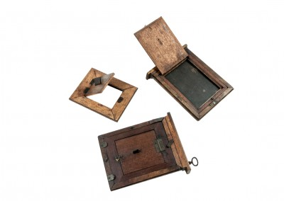 Blanxart laboratory. Plate holders and reduction frames - Wetplatewagon