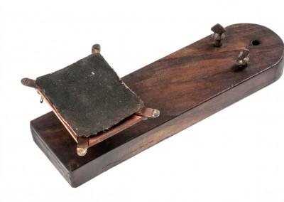 Blanxart laboratory. Tool to polishing daguerreotype plates - Wetplatewagon
