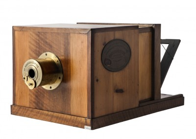 Le Daguerréotype. The Daguerre - Giruox camera  - Wetplatewagon